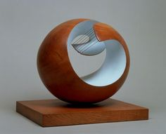 Natural Forms: The Sculpture of Barbara Hepworth — AWARE Women artists / Femmes artistes Barbara Hepworth, Art And Illustration, Illustrations Posters, Natural Form Artists, Natural Forms, Piet Mondrian, Horror Comics, Wassily Kandinsky, Abstract Sculpture