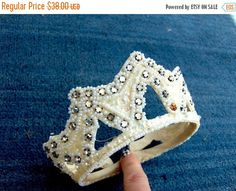 FALL SALE Vintage 1940's Tiara-Crown style Bridal Headpiece ivory