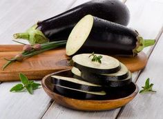 Eggplant is now in season! The skin of an eggplant is full of fiber, potassium and antioxidants. Try adding eggplant as a side dish to your Jenny Craig meals this week. Veggie Recipes Healthy, Vegetarian Recipes, Roast Eggplant, Eating Vegetables, Greek Dishes, Nutrition, Vegan Dishes, Vegetable Dishes, Food Inspiration