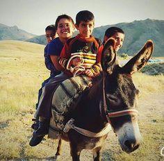 En güzeli çocukluk…  Fotoğrafı gönderen: Daha Ne Olsundu