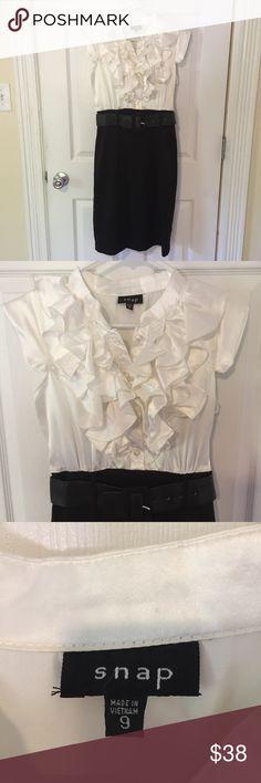 2533f151aba Snap Black   White Ruffle Dress - Size 9 Snap Black and White Dress with  ruffle