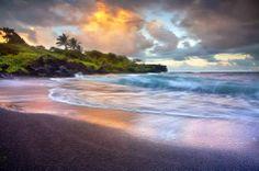 Waianapanapa black sand beach, Muai, Hawaii