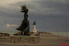Statue de l'espérance au Grau du Roi par Paul Pennarbed  !