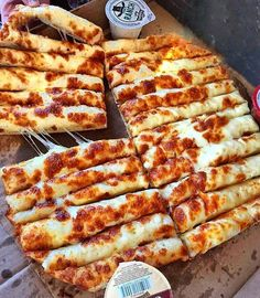 Would you like some Cheesy Bread sticks. Tag your friends. By Foodie Recipes Dinner Lunch Breakfast DIY Pictures Recipe Quick Fast How To Think Food, I Love Food, Good Food, Yummy Food, Healthy Food, Comfort Food, Food Goals, Aesthetic Food, Food Cravings
