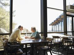 Many national and local restaurants offer senior discounts for those who ask. Fi… Many national and local restaurants offer senior discounts for those who ask. Find out where to go to get the discounts and tips for extra savings. Retirement Budget, Preparing For Retirement, Early Retirement, Retirement Planning, Retirement Savings, Party Planning, Restaurant Discounts, Restaurant Offers, Senior Living