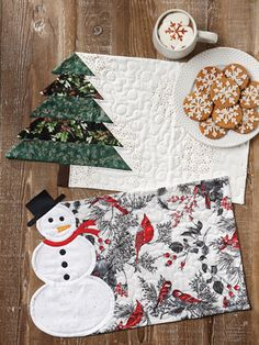 Christmas & Winter Quilt Patterns - Put those holiday scrap fabrics to use and create lots of seasonal mug rugs for your home and for gifts! Finished sizes: Christmas Star Mug Rug: 10 x Christmas Tree Mug Rug: x Christmas Bell Mug Rug: 10 x 6 Christmas Mug Rugs, Christmas Placemats, Christmas Fabric, Christmas Crafts, Christmas Table Mats, Halloween Placemats, Purple Christmas, Coastal Christmas, Mug Rug Patterns