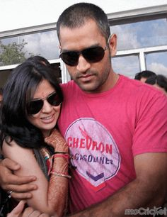 Sakshi and Dhoni - Adorable couple! Check out their hot pictures on http://mocricket.com/