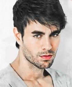 Enrique Iglesias, Impressive Image, Madrid, American Rappers, American Actors, American History, Actrices Hollywood, Charli Xcx, Latest Hairstyles
