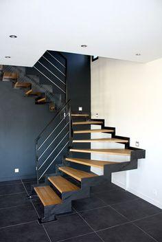Metal Building House Plans, Pole Barn House Plans, Carport Modern, Modern Stairs, Stair Railing Design, Staircase Railings, Metal Barn Homes, Pole Barn Homes, Escalier Design