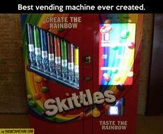 Best vending machine on Earth… お菓子自動販売機  このキャンディ好き!!