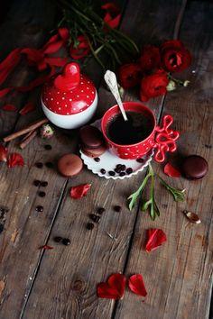 9 Well Clever Ideas: Black Coffee Flatlay but first coffee jess and gabriel. Coffee Scrub, Coffee Creamer, Coffee Drinkers, Coffee Tumblr, Coffee Flatlay, Coffee Tattoos, Clay Mugs, Coffee Plant, Coffee Painting