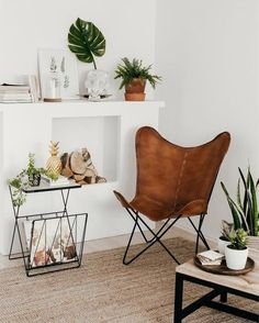 minimal / bohemian photo by Living Room Chairs, Living Room Decor, Leather Butterfly Chair, Interior Exterior, Interior Design, Affordable Furniture, Modern Room, Furniture Decor, Armchair