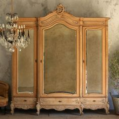 Gorgeous Vintage 3-Door Srmoire in Old Bleached Oak $4,670.75 #thebellacottage #SALE