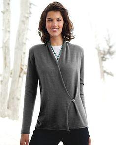 nice color--grey sweater