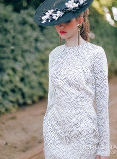 Simmone | Cherubina - Moda, tocados y mucho más Bell Sleeves, Bell Sleeve Top, Weddings, Women, Fashion, Vestidos, Polka Dots, Fascinators, Full Sleeves