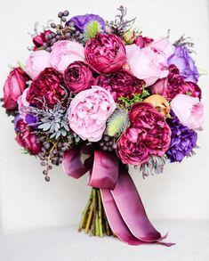 Floral Design: Affair with George // via Polka Dot Bride}