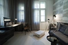 Art Nouveau-like elements contrast with the geometrical shapes and raw concrete - CAANdesign Beautiful Interior Design, Squats, Art Nouveau, Architecture Design, Contrast, House Design, Contemporary, Living Room, Table
