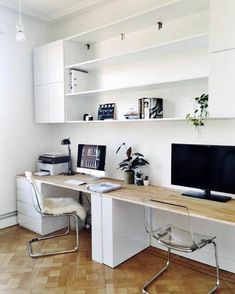 29 Trendy Home Office Shelves Ideas Bedrooms Home Office Shelves, Home Office Layouts, Home Office Space, Home Office Desks, Office Decor, Office Ideas, Home Office Furniture Ideas, Apartment Office, Ikea Office