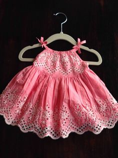 BABY GAP WHITE PINK EYELET DRESS EASTER SIZE 0-3 Months