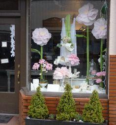 Blumen und Pompoms aus Seidenpapier basteln