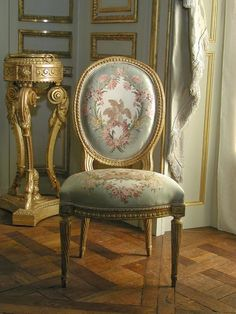 This fits the Rococo style because it began with interior design. The style was influenced by French aristocrats wanting to bring the Baroque style from the Palace of Versailles into their new homes and it evolved into the new Rococo style. Rococo Chair, Rococo Furniture, French Furniture, Classic Furniture, Georgian Furniture, Modern Furniture, Furniture Dolly, Furniture Styles, Diy Design