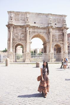 European Fashionista. Boho travel fashion. Hippie bohemian style. Spell Designs. The arch of Constantine. Rome, Italy. The Wanderful Soul blog photography.