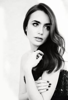 lilly collins gorgeous eyebrows, love this beauty Kristina Pímenova, Mujeres Tattoo, She Is Gorgeous, Dead Gorgeous, Beautiful Person, Catherine Zeta Jones, My Hairstyle, Fashion Images, Looks Style