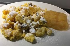 Kaiserschmarrn, a sophisticated recipe from the dessert category. Waffles, Pancakes, Cravings, Deserts, Food Porn, Food And Drink, Sweets, Snacks, Breakfast