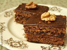 A kezdő háziasszonyoknak is ajánlom ezt a receptet, mert a kavart tésztát nem lehet elrontani! :) Ínycsiklandó és gyors sütike! Hozzávalók: a tésztához: 32 dkg[...] Ital Food, Poppy Cake, Hungarian Recipes, Something Sweet, Cake Cookies, Ham, Cookie Recipes, Deserts, Muffin