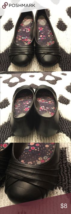 Jellypop Black flats Only worn once! Black flats go with everything! jellypop Shoes