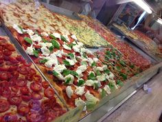 """See 72 photos from 540 visitors about pizza, good for a quick meal, and casual. """"All kinds of delicious pizzas, you can buy by the grams so you can. Quick Meals, Vegetable Pizza, Rome, Florida, Restaurant, Ethnic Recipes, Pizza, Fast Meals, Fast Foods"""