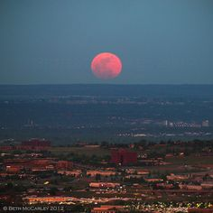 The largest full moon of the year on May 5, 2012 rising over Golden, Colorado. At lunar perigee. Credit: Getty Images