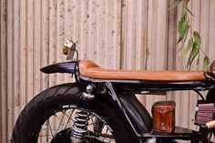Yamaha XS750 Cafe Racer by Gasoline Motor Co #motorcycles #caferacer #motos | caferacerpasion.com Brat Cafe, Moto Cafe, Bobber Custom, Custom Cafe Racer, Motorcycle Seats, Cafe Racer Motorcycle, Future Car, Eccentric, Motorbikes