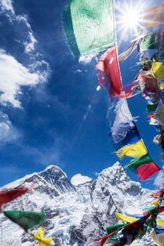 Prayer flag blowed by the strong wind on the Himalayan mountain. In the back there is a highest mountain top of the world Mt. Mount Everest Base Camp, Nepal Mount Everest, Pictures Of Flags, Le Tibet, Prayer Flags, Bungee Jumping, Tourist Places, Travel Aesthetic, India Travel