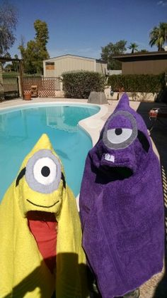Minion Hooded Towels