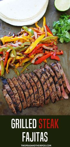 Grilled Steak Fajitas get out the grill and make grilled steak fajitas with sizzling peppers and onions! Serve with flour tortillas and your favorite toppings! Grilled Steak Fajitas make a great summer dinner! They are easy to grill up and are also fun Fajita Grill, Easy Steak Fajitas, Steak Fajita Recipe, Grilled Steak Recipes, Sizzle Steak Recipes, Grilled Steaks, Grilled Food, Chicken Fajita Rezept, Grill Dessert