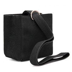 Yoins Square Mini Shoulder Bag in Black (315 ARS) ❤ liked on Polyvore featuring bags, handbags, shoulder bags, yoins, leather handbags, mini handbags, mini shoulder bag, shoulder strap bags and faux leather shoulder bag