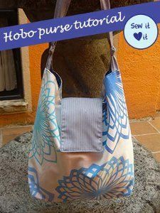 Make Hobo Bag Free Purse Pattern and Tutorial - Hobo Purse - Big bags are great for toting around lots of stuff, particularly if you're heading for the beach or on a picnic and you can't decide what NOT to take. Sewing Tutorials, Sewing Patterns, Bag Tutorials, Sewing Projects, Sewing Ideas, Fleece Projects, Hobo Bag Patterns, Diy Bags Purses, Hobo Purses