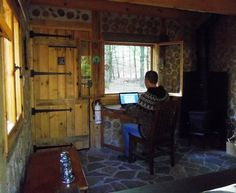 Calling all writers... or anyone else in need of focused peace & quiet for work!