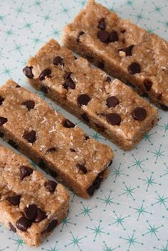 Easy vegan vanilla chocolate chip protein bars.  www.sweetlyraw.com for more vegan and raw dessert recipes