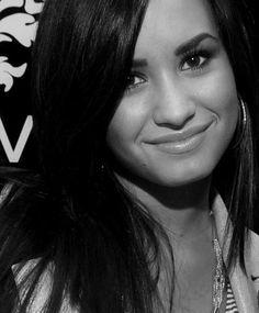 Demi Lovato is so beautiful
