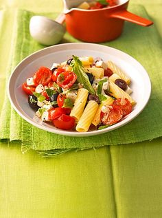 Nudeln mit Tomaten, Schafskäse und Oliven, ein schmackhaftes Rezept aus der Kategorie Pasta & Nudel. Bewertungen: 77. Durchschnitt: Ø 4,3.
