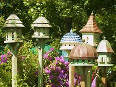 bird house community, so dear Garden Bird Feeders, Bird House Feeder, Bird Boxes, Small Buildings, Outdoor Living, Outdoor Decor, Dog Houses, Beautiful Birds, Modern Design