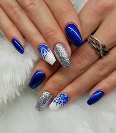 48 Stunning Blue Nail Designs for a Bold and Beautiful Look,blue nails color,blue nails design,blue nails short,blue nai Cute Spring Nails, Cute Nails, Pretty Nails, My Nails, Blue Glitter Nails, Blue Acrylic Nails, Cobalt Blue Nails, Dallas Cowboys Nails, Dallas Cowboys Nail Designs