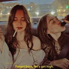 Uploaded by Find images and videos about girl, friends and alternative on We Heart It - the app to get lost in what you love. Bff Pictures, Best Friend Pictures, Friend Photos, Bad Girl Aesthetic, Aesthetic Grunge, Best Friend Goals, Best Friends, Shooting Photo Amis, Cigarette Aesthetic