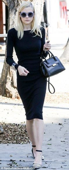 Jaime King shows off her slender figure in sleek all black outfit - Celebrity Fashion Trends