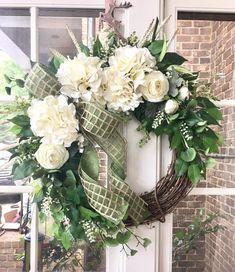 Diy Spring Wreath, Fall Wreaths, Christmas Wreaths, Double Door Wreaths, Grapevine Wreath, Floral Wreath, Mesh Ribbon, Wreath Ideas, Cream