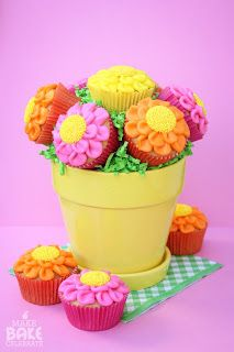 Mother's Day Cupcake Bouquet made by Make, Bake, Celebrate! #sweets #mothersday #orlandowedding