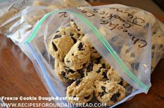 Best Way to Freeze Cookies- Use an ice cream scoop and place the scoops on a baking sheet lined with parchment paper. READ MORE: http://recipesforourdailybread.com/2013/06/25/freezing-cookie-dough-the-best-way/  #cookies #cookiedough #freezecookies