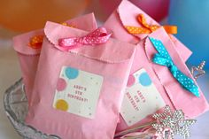 3 Simple Birthday Party Ideas for Girls 6th Birthday Parties, 1st Birthday Girls, Birthday Fun, Birthday Ideas, Girl Parties, Themed Parties, Party Invitations Kids, Kid Party Favors, Party Bags